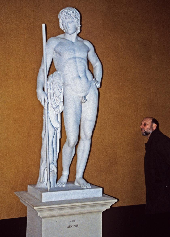 Adonis en el Museo Thorvaldsen de Copenhague